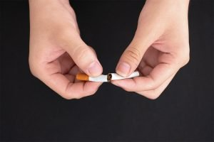 top 5 reasons to quit smoking now from your kallangur dentist